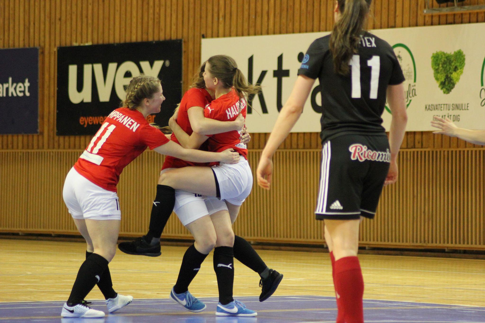 HIFK:n naisille täysi pistepotti trillerissä Sportia vastaan