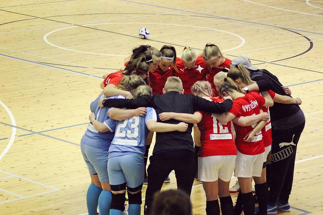 HIFK on Naisten Futsal-Liigan hopeamitalisti – kotijoukkueen viimeistelytehokkuus ratkaisi lauantaisen finaalin